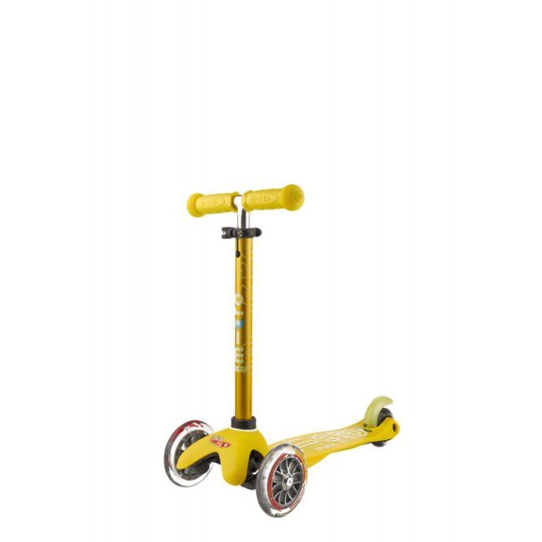 Самокат желтый Mini Micro MMD005 1 768x768 Самокат Mini Micro Deluxe Желтый MMD005