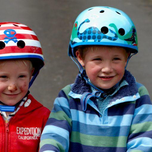 micro shlem scootersaurus ac4506 2 510x510 Детский шлем Micro. Пираты размер M (53 57 см) AC2043